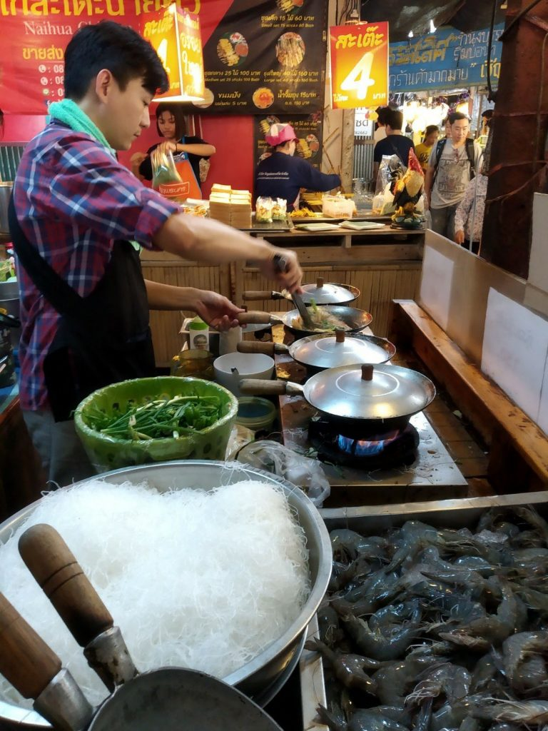 best budget restaurants in bangkok lat mayom floating market stove