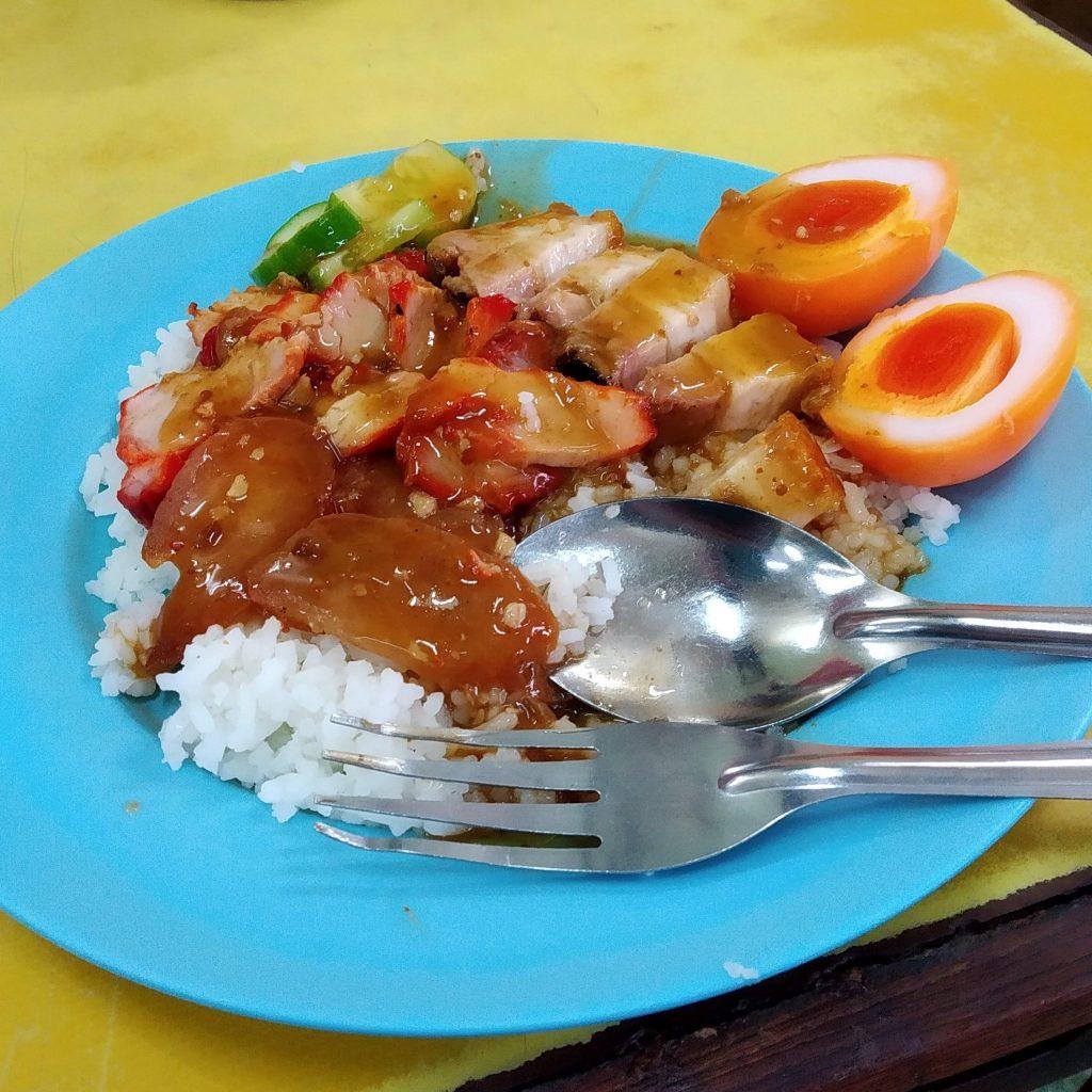 Best budget restaurants in Bangkok cheap eats si morakot