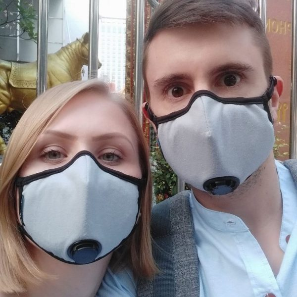People wearing pollution masks in Bangkok fitness