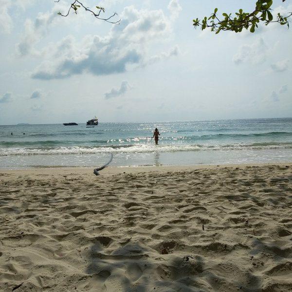 Vongdeuan Beach